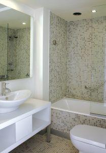 bathroom-1209273-m